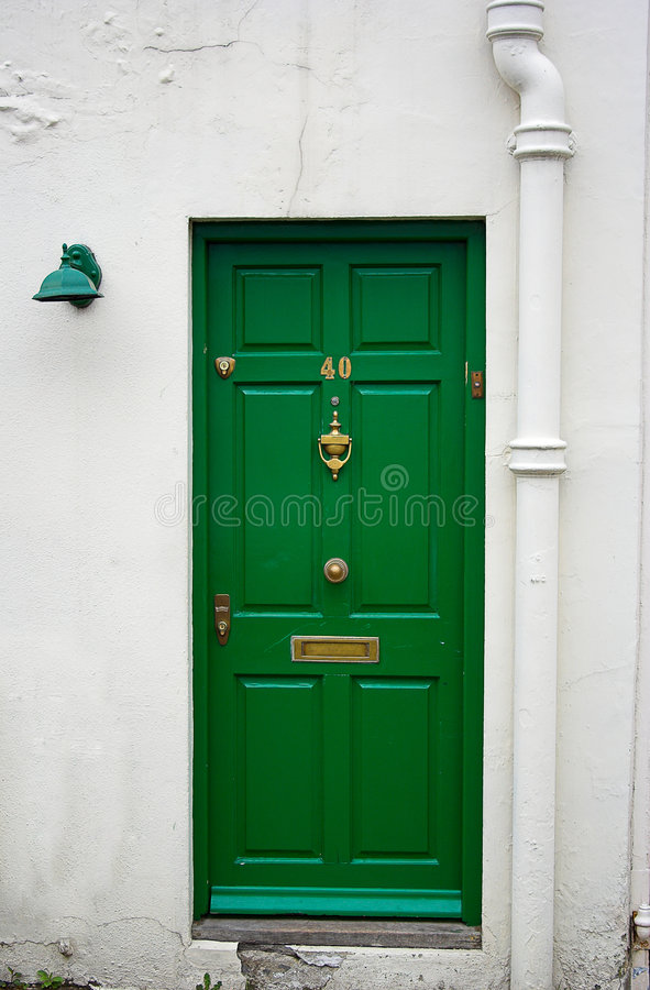 Groene voordeur stock afbeelding Afbeelding bestaande uit