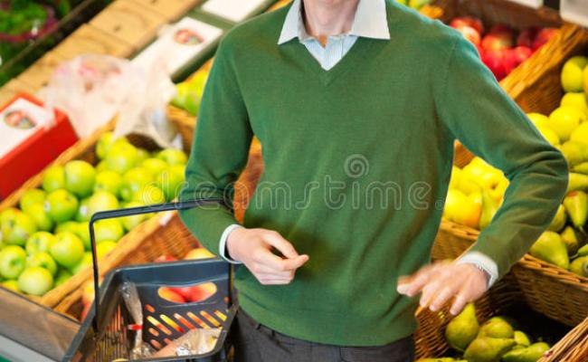 Man In Grocery Store Stock Image Image 20526521