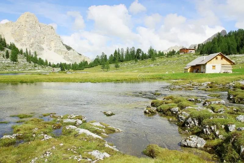 Paesaggio Italiano Della Montagna Nel Parco Naturale Di Dolomiti FANES Fotografia Stock