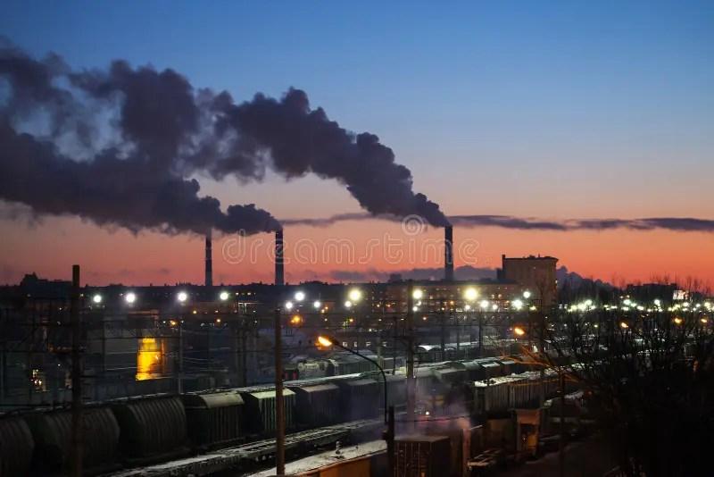 Paesaggio Urbano Industriale Con Fumo Dei Camini