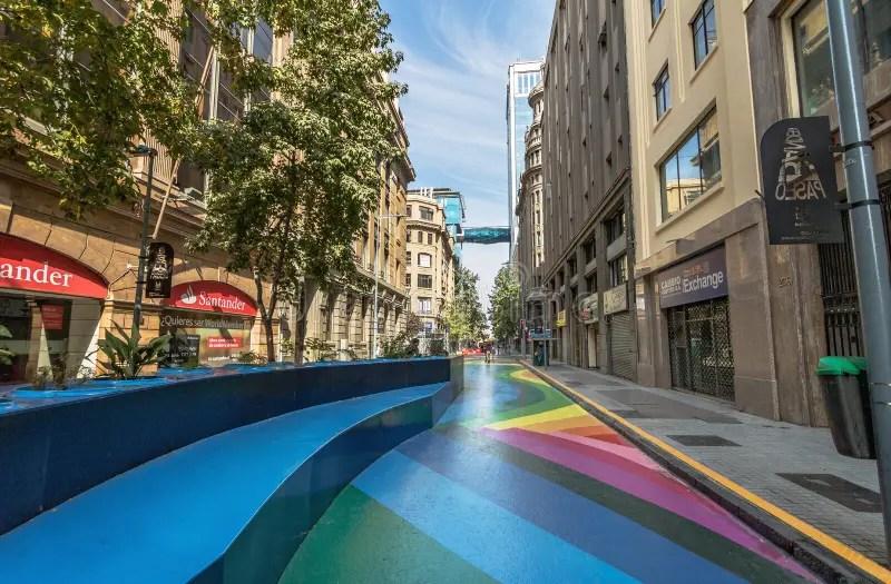Paseo Bandera, Rua Pedestre Colorida No Santiago Do Centro ...