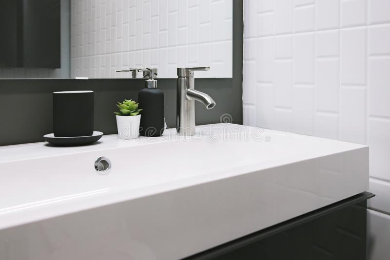 419 side view sink faucet photos free