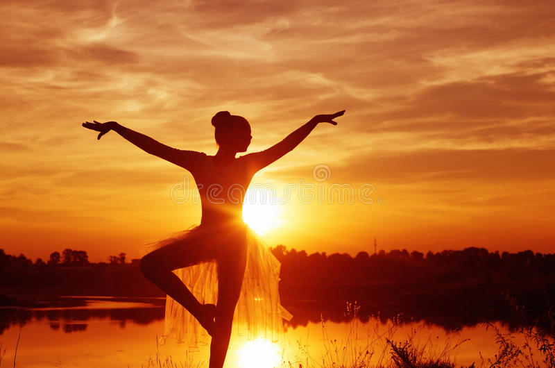 Hula Girl Wallpaper Silhouette Of A Ballet Dancer At Sunset Stock Photo