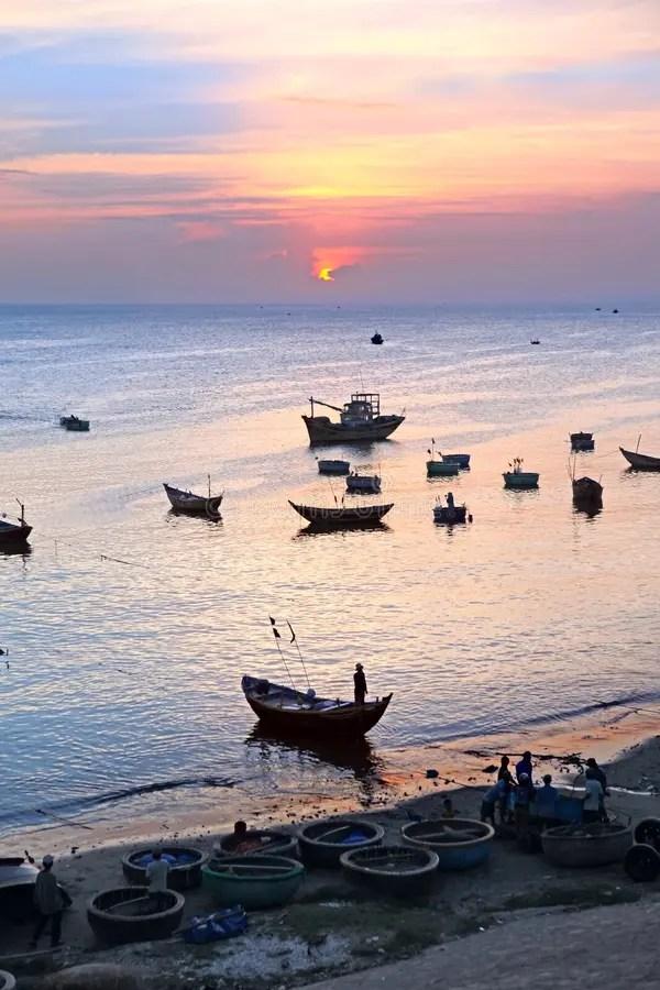 Sunset. Fishing Boats In Harbor. Stock Photo - Image of muine. light: 31062592
