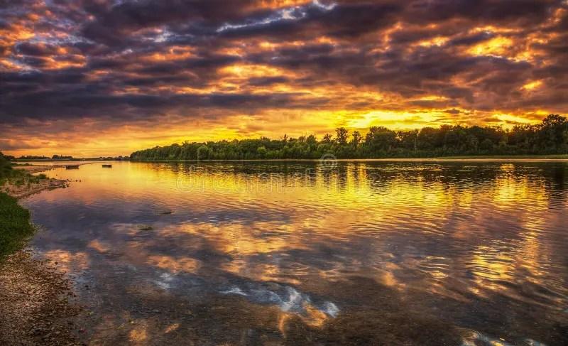 Tramonto Sul Fiume Loira In Francia Fotografia Stock  Immagine di background colore 39467754