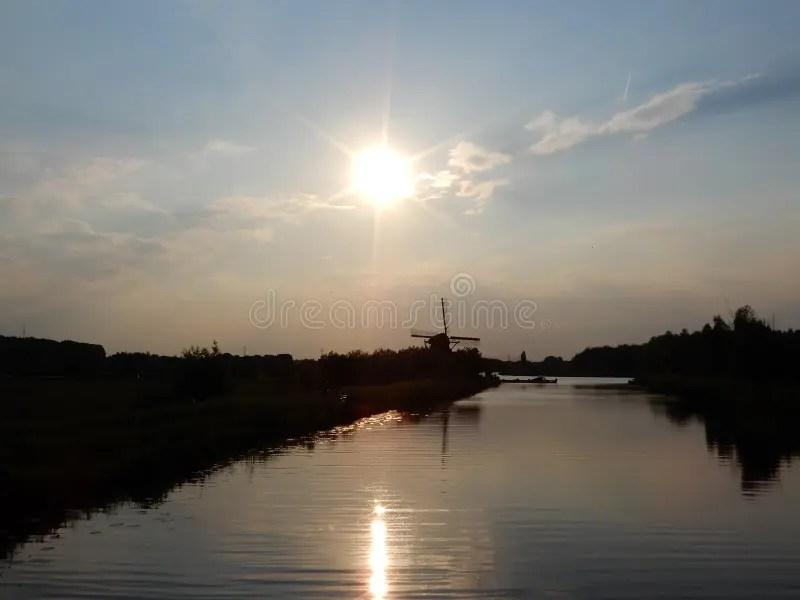 Paesaggio olandese fotografia stock Immagine di molla