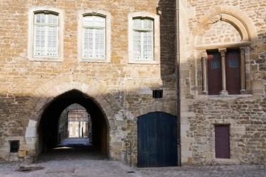 urban medieval france centerof boulogne historic yard nimes center ld bremen facades schnoor quarter houses