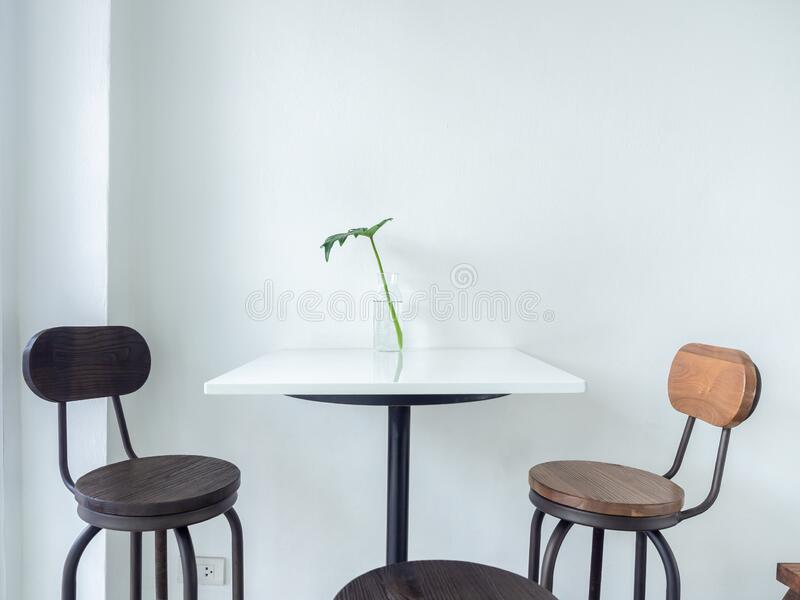 19 628 cafe table wall background