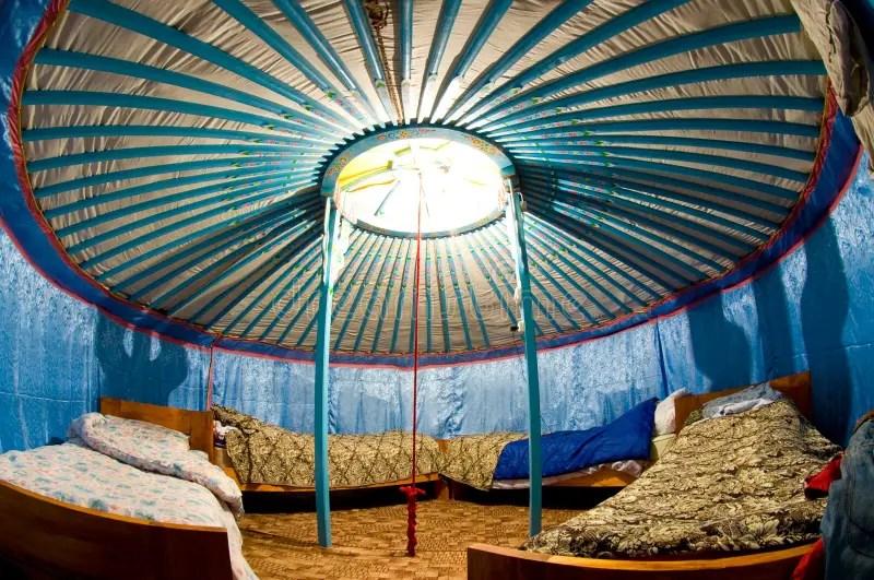 Yurta mongolo in steppa immagine stock Immagine di