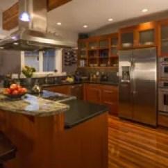 Slate Floor Kitchen Chairs With Rollers 板岩储蓄图象 下载291 616皇族释放照片 与木内阁的当代高级家庭厨房内部和地板 花岗岩工作台面和