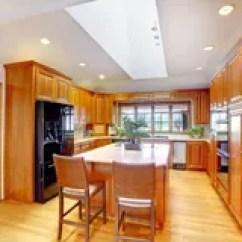 Kitchen Ceiling Fixtures Sink With Backsplash 与白色天花板和天窗的布朗木厨房内部库存照片 图片包括有最高限额 内部 与黑固定冰箱的布朗木厨房内部和与天窗的白色天花板库存