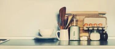 kitchen tabletops appliance suites 厨房桌面与土气盘 表商品 杂货和另外材料复制空间库存图片 图片包括有 图片包括有装饰 玻璃 减速火箭 程序包 61676701