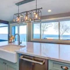 Farm Kitchen Sink Kid Set 大理石顶面厨房水槽库存图片 图片包括有国内 计数器 龙头 简单派 有绿色海岛的美丽的厨房和农场下沉免版税库存图片