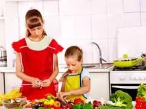 kitchen kid double doors 烹调在厨房的孩子库存照片 图片 53064909 烹调在厨房的孩子 库存图片