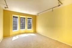 empty yellow bright amarillo brillante sitio vacio cocina ventana arco granito tops floor archivo