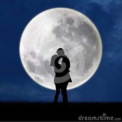 Easy A Girl Wallpapers Close Up Of Silhouette Couple Kissing On Full Moon Royalty