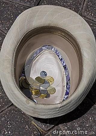 coins-hat-8725069.jpg