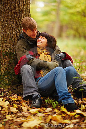 Cute Romantic Kissing Wallpaper Royalty Free Stock Image Romantic Couple Sitting Under A