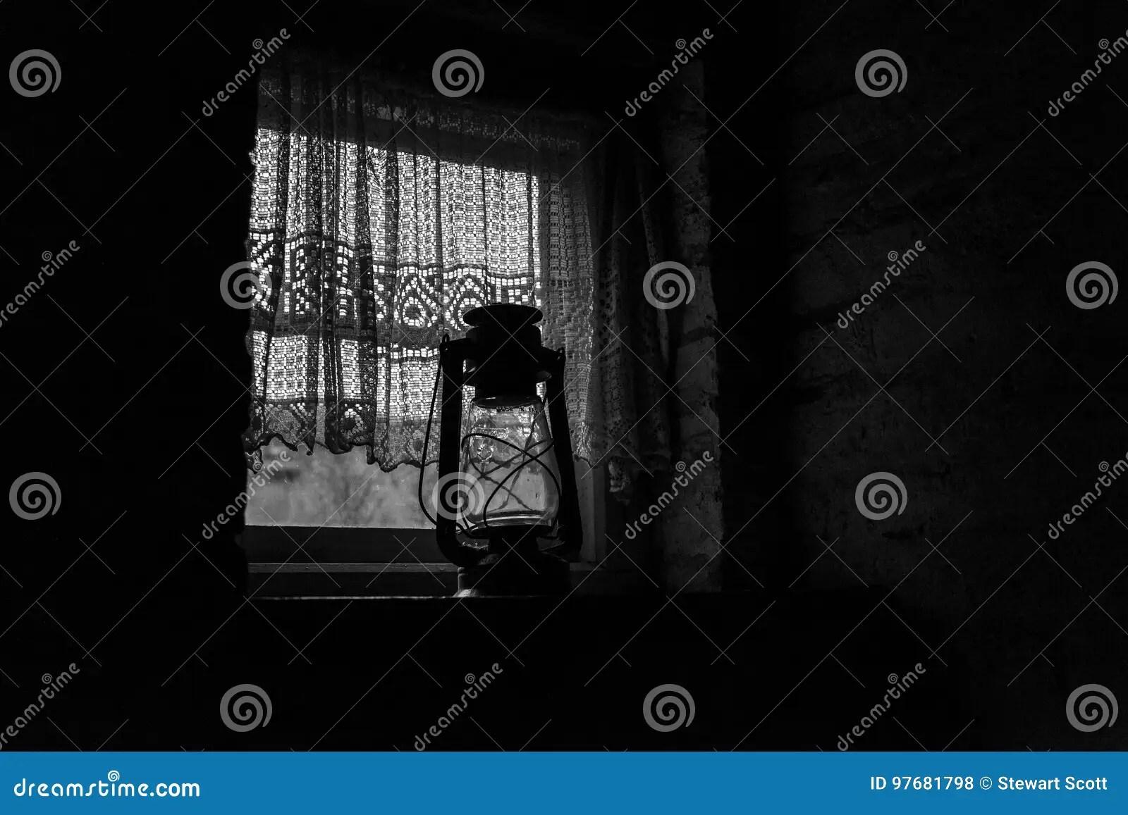 kitchen lanterns black distressed cabinets 一个现出轮廓的19世纪厨房库存照片 图片包括有厨房 需要 灯笼 居民 一个现出轮廓的19世纪厨房