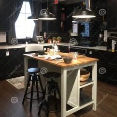 Kitchen Design Stores Grill 与海岛的现代厨房设计商店的宜家图库摄影片 图片包括有装饰 生活方式 与海岛的现代厨房设计商店的宜家