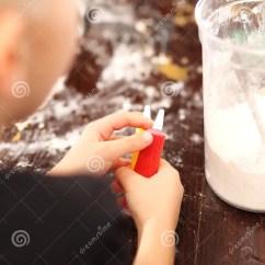 Kitchen Kid Remodeling Madison Wi 乐趣在厨房 孩子揉面团库存照片 图片包括有货物 糖果 地区 切割工 孩子揉面团