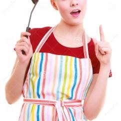Kitchen Aprons Baldwin Cabinet Hardware 五颜六色的厨房围裙的滑稽的主妇或厨师厨师与杓子库存照片 图片包括有 五颜六色的厨房围裙的滑稽的主妇或厨师厨师与杓子