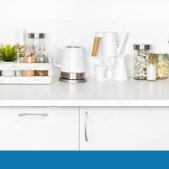 White Kitchen Bench Garage Door 充分厨房长凳在白色背景隔绝的各种各样的器物库存照片 图片包括有弯脚的 充分厨房长凳在白色背景隔绝的各种各样的器物