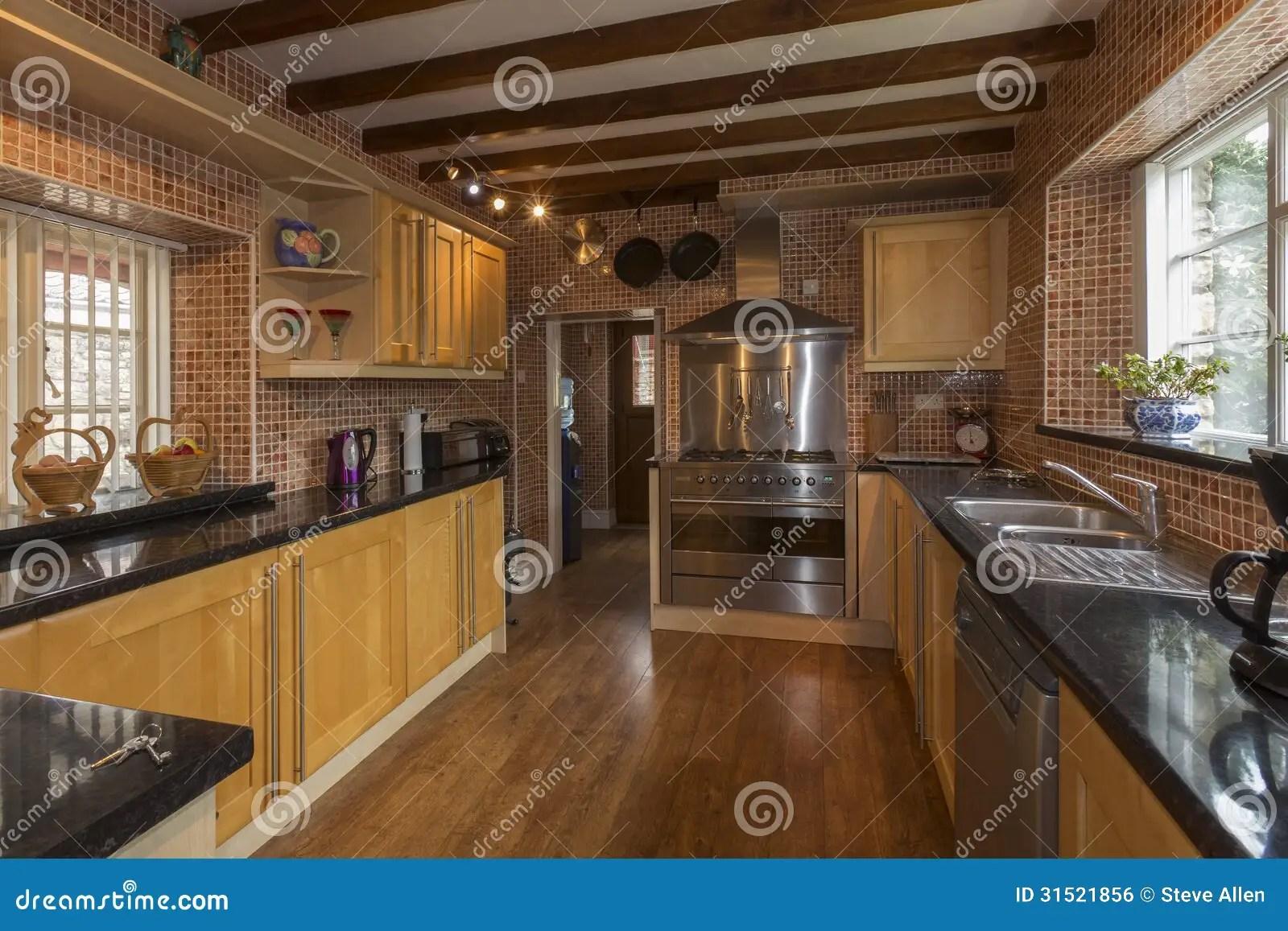 kitchen sink farmhouse custom sinks 农舍厨房库存照片 图片包括有烹饪器材 厨房 房子 机柜 里面 烹调法 一个农舍厨房在一个房子里在约克夏在东北英国