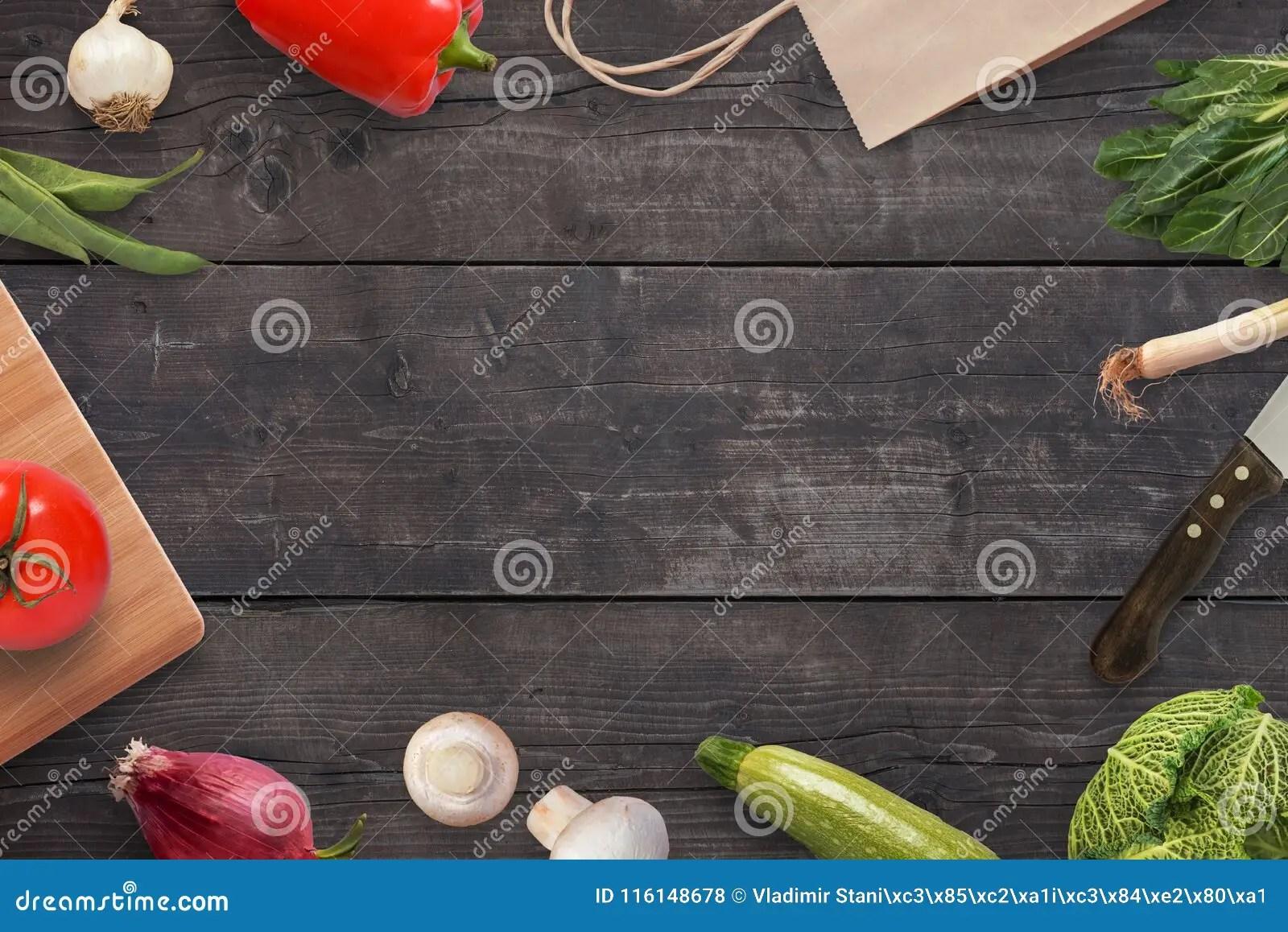 kitchen prep table parts of a faucet 准备在厨房用桌上的饭食与许多菜库存照片 图片包括有服务台 绿色 健康 准备在厨房用桌上的饭食与许多菜