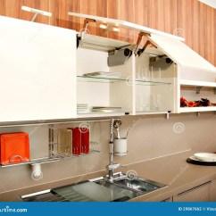 Kitchen Aid Ovens Solid Wood Chairs 美丽的厨房库存照片 图片包括有椅子 家庭 内部 大理石 烹饪器材 包含水槽 家具 装置和辅助部件的现代厨房设计