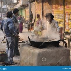 Kitchens Of India Kitchen Suites Home Depot 印度厨房街道编辑类照片 图片包括有瓦腊纳西 厨师 街道 远征 旅途 印度厨房街道