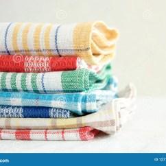 Kitchen Linens Tray 厨房亚麻布毛巾库存照片 图片包括有餐巾 重点 格子花呢披肩 绿色 厨房亚麻布毛巾