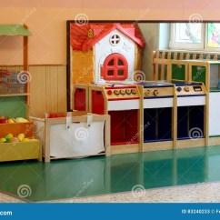 Kitchen Booths Appliances Stores 厨房和摊位蔬菜水果商亲切的库存图片 图片包括有布琼布拉 子项 设计 厨房和摊位蔬菜水果商亲切的