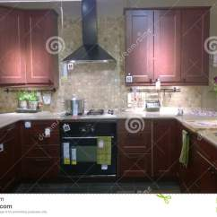 Kitchen Displays Glass Backsplash For 厨房展示编辑类图片 图片包括有里面 空间 普遍 灌肠器 内部 家具 厨房展示