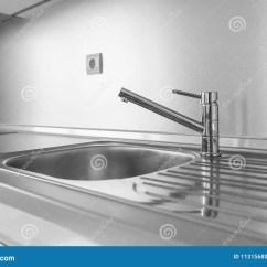 Kitchen Sinks And Faucets Virtual Design 厨房水槽和水龙头库存照片 图片包括有厨房 水平 镀铬物 装饰 现代 厨房水槽和水龙头
