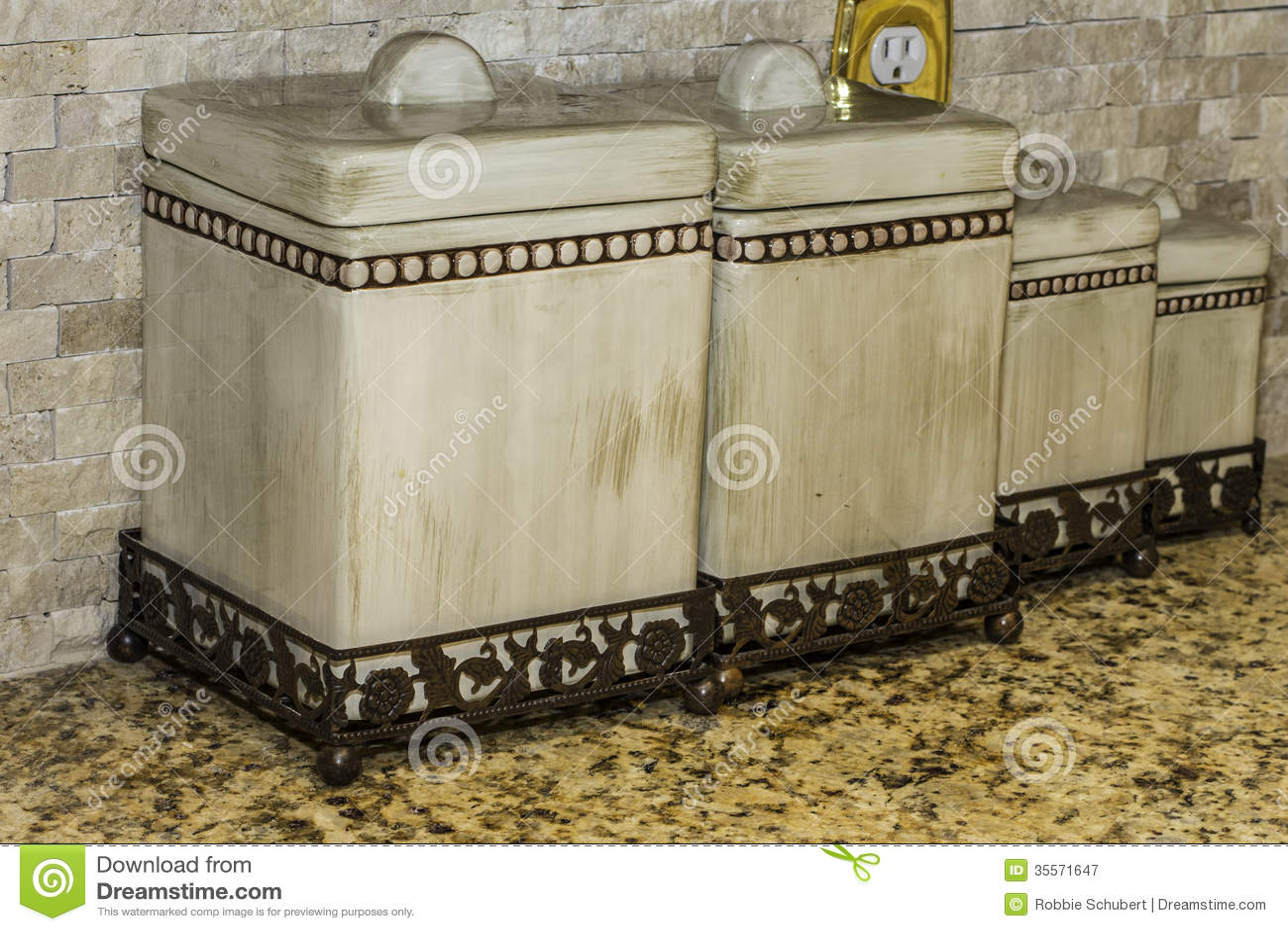 ceramic kitchen top cabinet designs in india 厨房罐库存图片 图片包括有厨具 玻璃 对象 器物 盒盖 容器 bothy 厨房罐