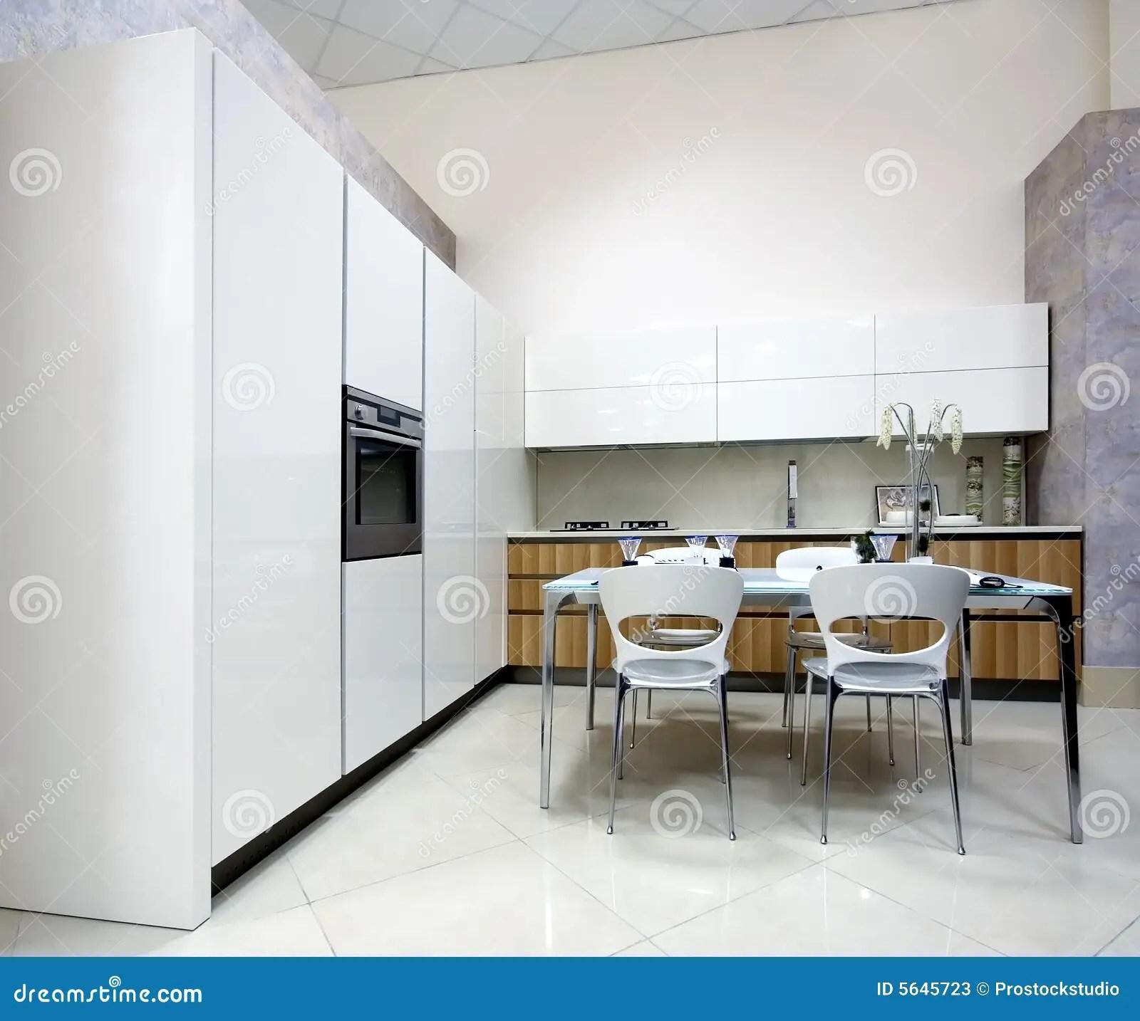 kitchen showrooms kitchens ideas 厨房豪华陈列室库存图片 图片包括有生活 存储 陈列室 厨房 设计 厨房豪华陈列室