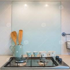 Kitchen Counter Remodeled Kitchens 厨房 柜台火炉烹调 库存照片 图片包括有家具 火炉 家庭 烹调