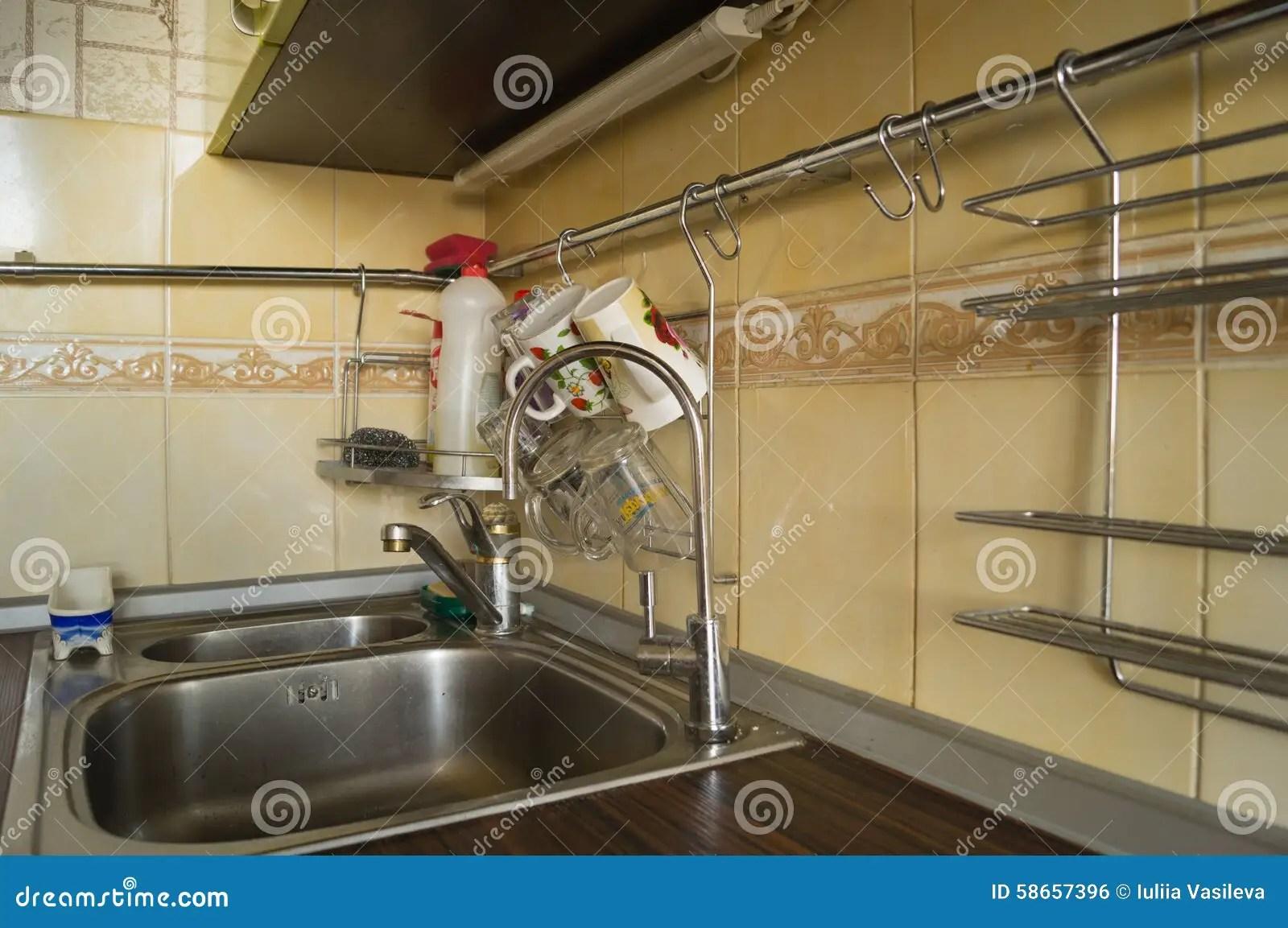 kitchen sink strainers wholesale cabinets 厨房水槽过滤器库存照片 图片包括有起重机 家具 补白 海绵 厨房 瓦 厨房水槽过滤器
