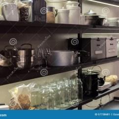 Kitchen Shelf Decor Appliances For Sale 商业厨房架子库存图片 图片包括有设备 装饰 行业 厨具 平底深锅 商业厨房架子
