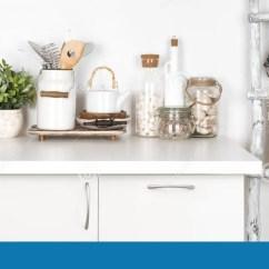 White Kitchen Bench Installation 土气厨房长凳和梯子与各种各样的器物在白色库存图片 图片包括有装饰 土气厨房长凳和梯子与各种各样的器物在白色