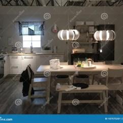 Kitchen Design Stores Faucets Review 在商店宜家的现代厨房设计编辑类照片 图片包括有系列 界面 出售 厨房 在商店宜家的现代厨房设计