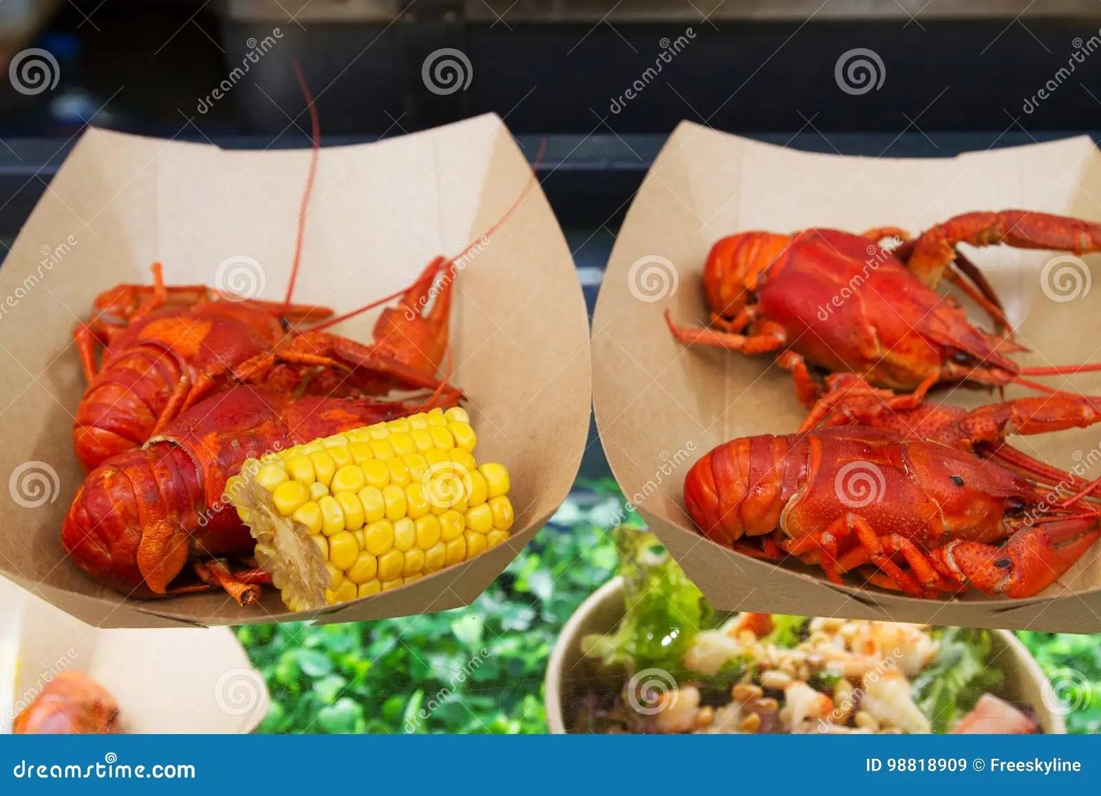 kitchen booths 48 sink base cabinet 在开放街道食物厨房国际食物节日事件的食物摊位或小龙虾服务的小龙虾库存 在开放街道食物厨房国际食物节日事件的食物摊位或小龙虾服务