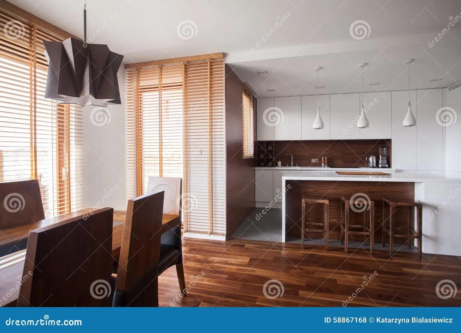 kitchen swags stonewall dark chocolate sea salt caramel sauce 在当代设计房子里打开厨房库存照片 图片包括有样式 椅子 当代 赃物 在当代设计房子里打开厨房