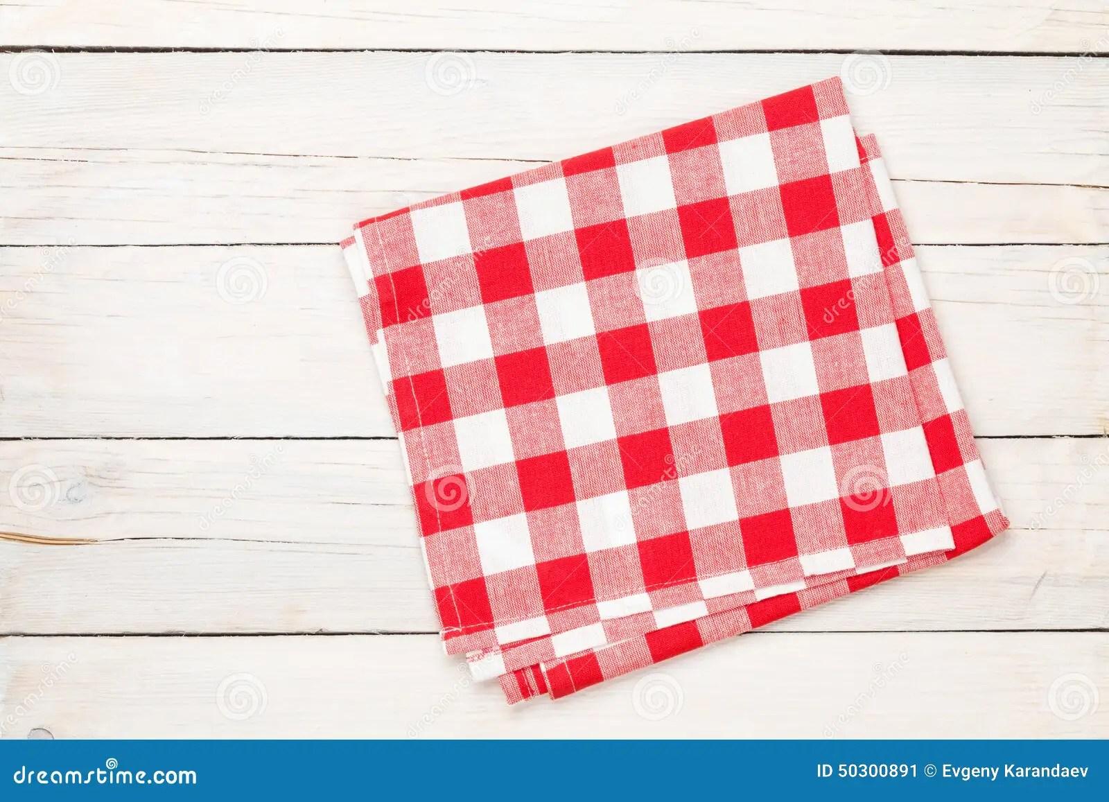 towel for kitchen aid oven 在木厨房用桌的红色毛巾库存图片 图片包括有干净 检查 菜单 餐馆 在木厨房用桌的红色毛巾