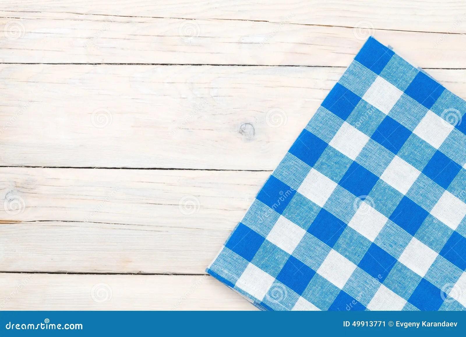towel for kitchen samsung appliances 在木厨房用桌的蓝色毛巾库存图片 图片包括有表面 没人 检查 模式 在木厨房用桌的蓝色毛巾
