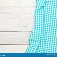 Towel For Kitchen Stoves 在木厨房用桌的蓝色毛巾库存照片 图片包括有背包 布料 桌布 模式 在木厨房用桌的蓝色毛巾