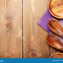 Kitchen Napkins Cabinet Hardware Cheap 在木桌背景的木厨房器物 库存图片. 图片 包括有 农村, 餐巾, Browne, 毛巾, 复制, 工具, 烹饪 ...