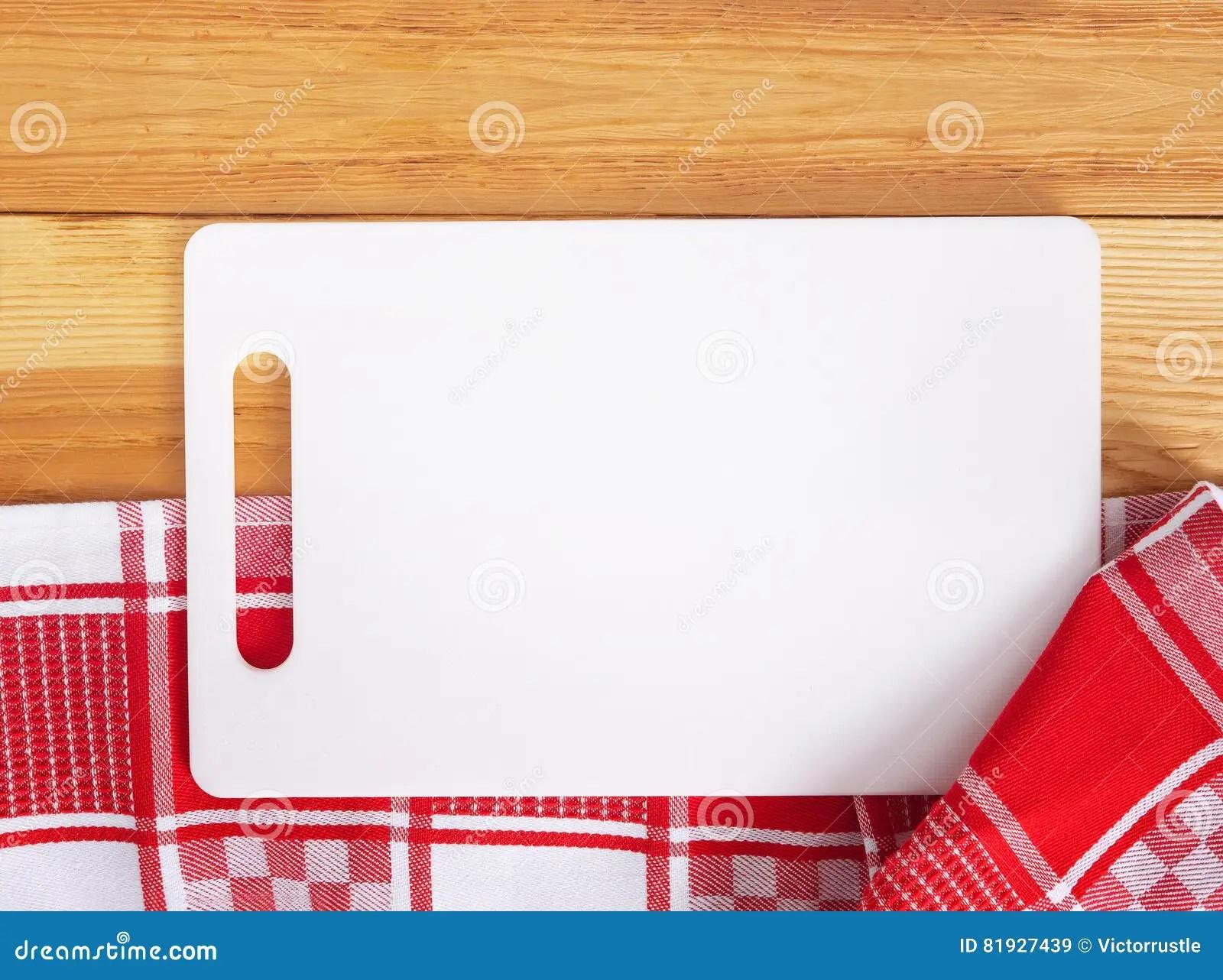 towel for kitchen fire suppression system 在毛巾的切板在木厨房用桌上顶视图库存图片 图片包括有背包 顶层 菜单 倒空在毛巾的白色切板在木厨房用桌上顶视图