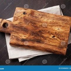 Towel For Kitchen Office Table And Chairs 在毛巾的切板在石厨房用桌上库存照片 图片包括有减速火箭 厨房 毛巾 在毛巾的切板在石厨房用桌上